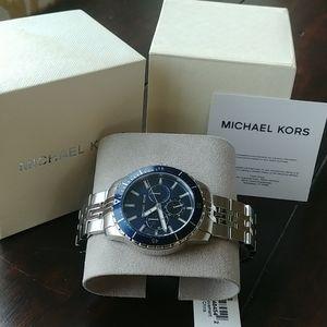 Michael Kors 7153 watch